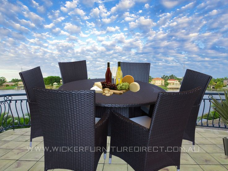 Brown Victoria 6 Seater Round Wicker Outdoor Dining Set