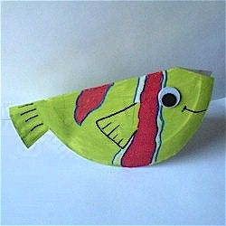 Paper Plate Fish Craft great idea for studies about our water or for VBS or just for fun. You can make a whole school of different patterns. www.freekidscrafts.com