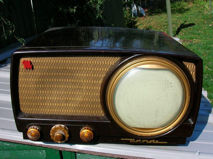 Motorola 7VT3 Television Set Vintage Tube TV Table Top Portable Parts Repair Old