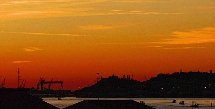 Ancona, MArche, Italy - Alba Rossa 2 by Gianni Del Bufalo CC BY-NC-SA MG_8548- Alba su Ancona e vongolare
