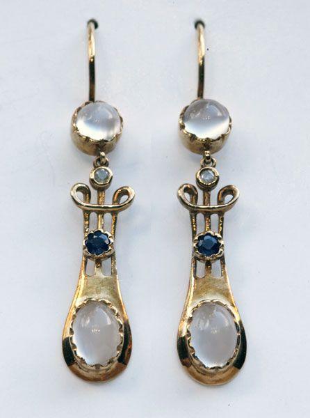 MURRLE BENNETT & Co 1896-1916 - Art Nouveau Earrings. Gold Moonstone…