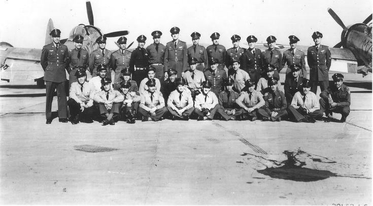 El Escuadrón 201 peleó bajo los colores de nuestra bandera en Filipinas contra los japoneses. Al final de su período hubo una gran agitación sindical: paros, huelgas y sabotajes en los Ferrocarriles Nacionales.