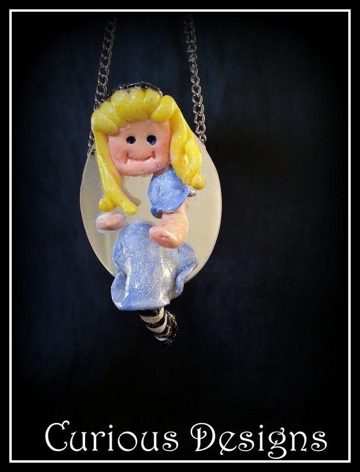 Alice through the looking glass #aliceinwonderland #mirror #jewellery #necklace #curiousdesigns #blue #ladyopheliaravenlovelace