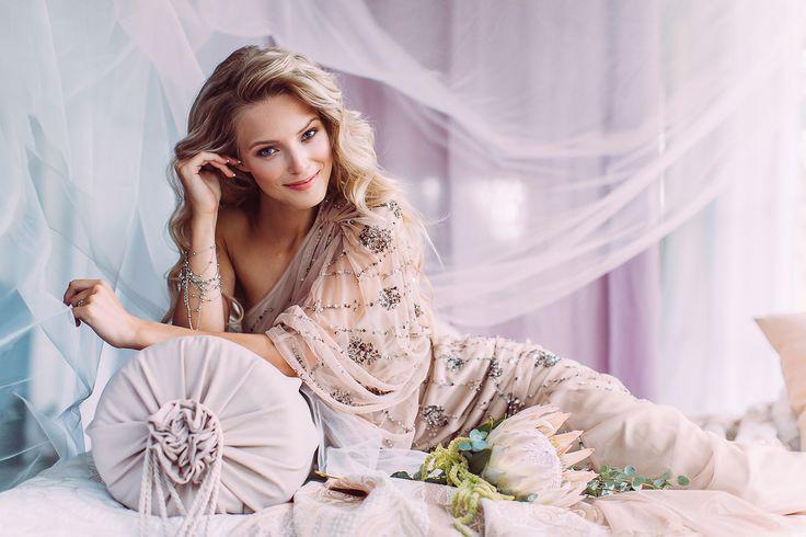 Ph: Kseniya ChebiryakMd: Ekaterina DesyatovaDecor: Anastasiya MakarovaMuah: Elena VinokurovaMehendi: Dasha BelostotskayaFlowers: Victoria KolominaDress: DressRent