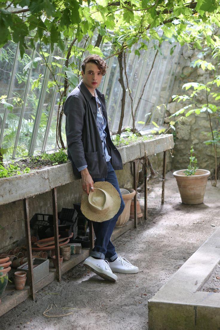 veste de travail en lin gris chemise en coton rayures tissées bleu pantalon 5 poches en denim bleu