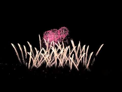 30 juin 2012 -Beautiful Japanese Art of Fireworks. Start small, start tiny? http://www.indiegogo.com/fireworksbrilliance4U?a=878274