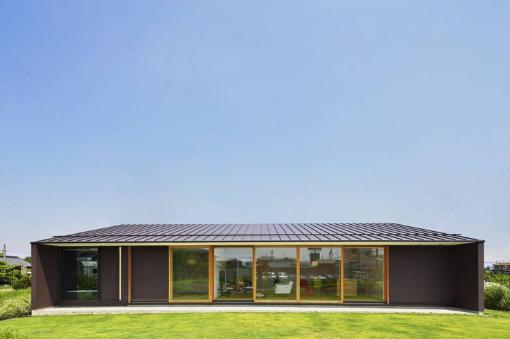 贅沢な空間、広がりのある暮らし、住んでみたい平屋の家5軒! (から kiyohide.hayasi -  homify)