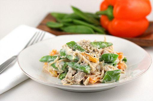 "#HealthyRecipe / ""Alfredo"" Pasta with Chicken, Snap Peas & Peppers"