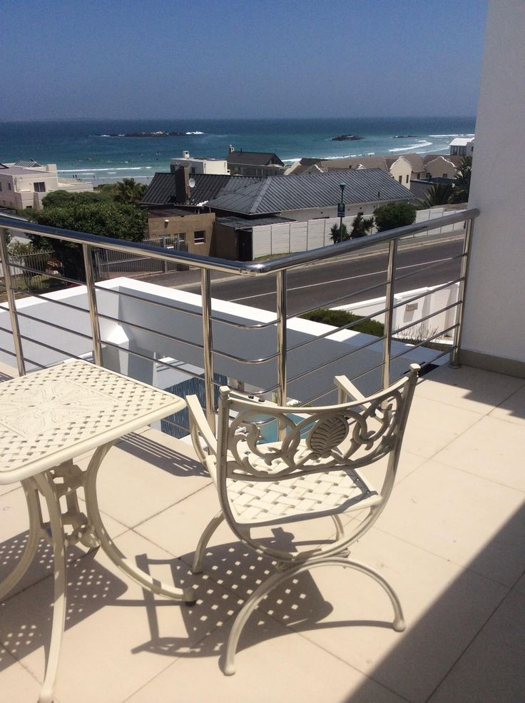 Waiting for the wind from my deck at the Cape Town Kite House