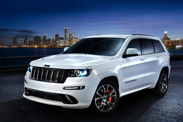 Jeep Grand Cherokee 2013 ; All black would be better