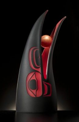 Raven and the Moon. Glass by artist Preston Singletary. Contemporary Indigenous Art.