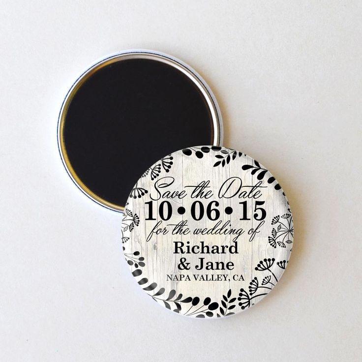 This modern save the date magnet is ideal for your seasonal wedding. The clean neutral color scheme is a great complement to your event, and makes a lovely wedding favor. To personalize: Please send u