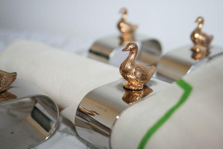 Parmantige eendjes op verzilverde servetringen | Bric à Brac - Curiosa | Homi Articles