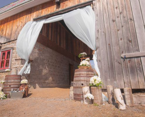 Barn Wedding | magnificent entrance at La Seigneurie St-Cuthbert.