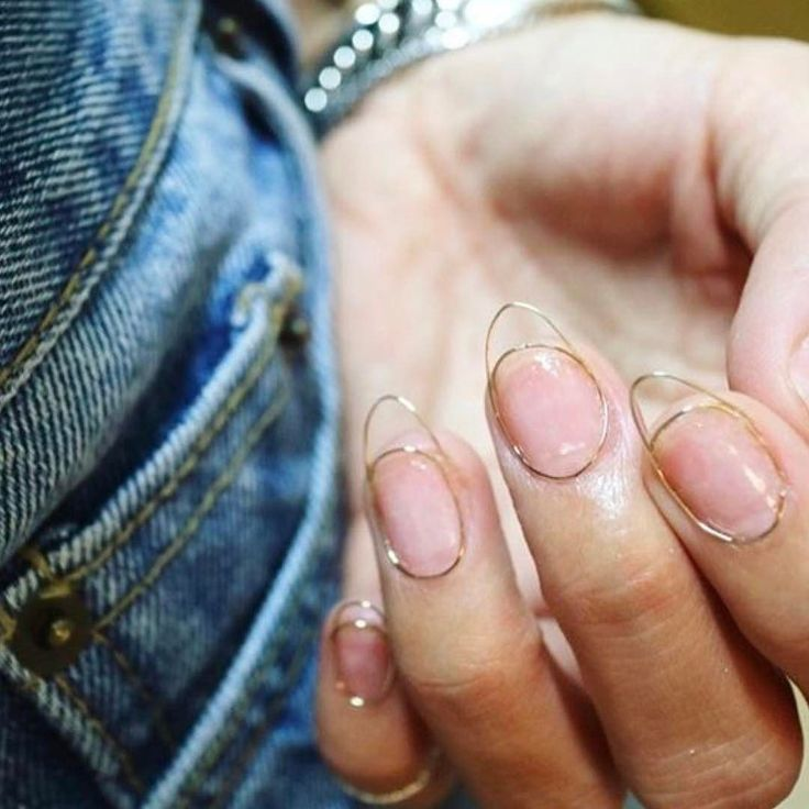 Head to our blog for a look at the hottest new nail trend! Link in bio #wirenails (nails by @nail_unistella )