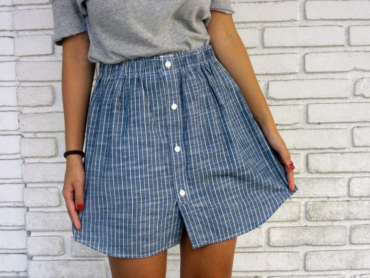 Look com saia de botões feita a partir de uma camisa masculina. Venha saber como! - Upcycling - Bruna Gullaci