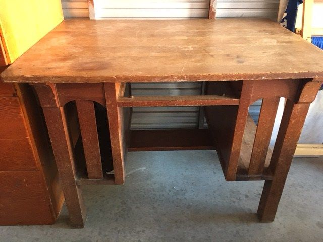 Vintage office furniture available to rent through Bygone Theatre. Sturdy arts & crafts/ craftsman style (c. 1920) wood desk 40.5″ wide, 28.5″ deep, 29.5″ tall.