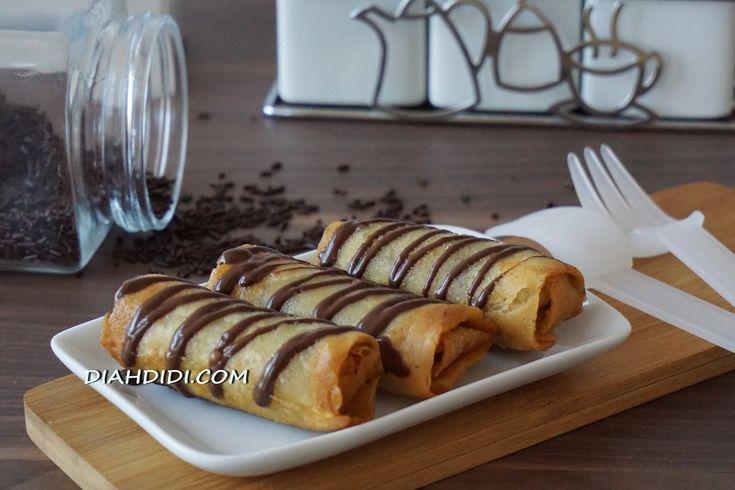 Diah Didi's Kitchen: Lumpia Pisang Coklat Keju