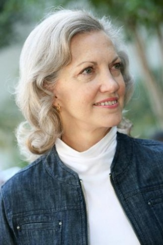 This classic look for older women is very stylish