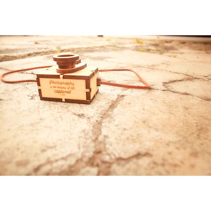 """""""Photography is the best life captured"""" our babee quotes #wood #wooden #camera #necklace #lasercutting #handmade #gift #accessories"""