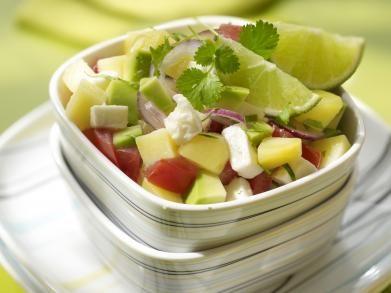 Lauwe salade met avocado en fetakaas