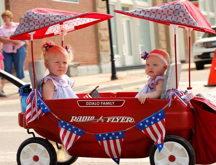 fourth of july wagon decorations