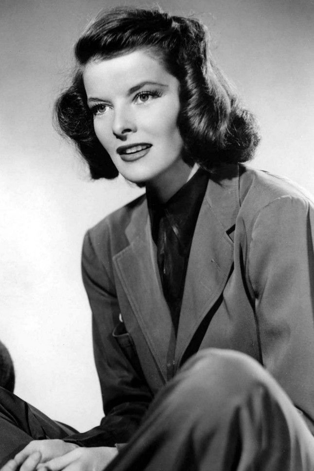 1930s Fashion: The Women Who Defined Thirties Style | Marie Claire Katharine Hepburn Few women have caused lasting influence on fashion as much as Katharine Hepburn. A champion of the menswear trend, Hepburn is perhaps one of the people to thank for the wide legged trousers and shirts which are still on trend today Read more at http://www.marieclaire.co.uk/blogs/549400/1930s-fashion-the-women-who-defined-thirties-style.html#UqzD4Qymoi346wOH.99 Read more at…