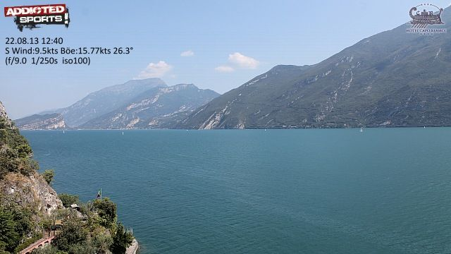 Web Cam Hotel Capo Reamol Limone Gardasee, wind and temperature updated every 10 minutes. Image and info online 24 / 7 !!