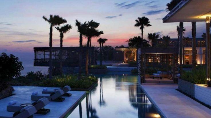 インドネシア バリ島 インフィニティプールのあるホテルをご紹介。一度は泊まってみたいリゾートホテル情報や予約はこちら。