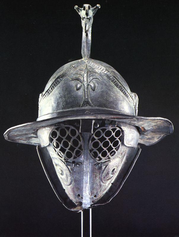 Coif tracic utilizat de gladiatori.