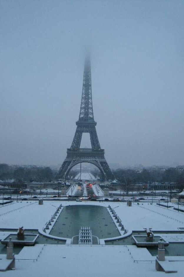 17 Beautiful Pictures Of Paris Under Snow - BuzzFeed Mobile