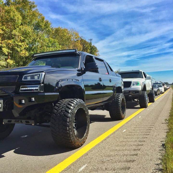 #Chevy #Avalanche #Lifted #Modified w/ aftermarket suspension