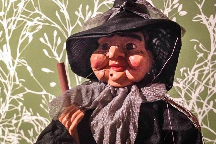 Een Italiaanse traditie: La Befana, een oude vrouw die de avond voor Driekoningen cadeautjes langsbrengt voor brave kinderen.
