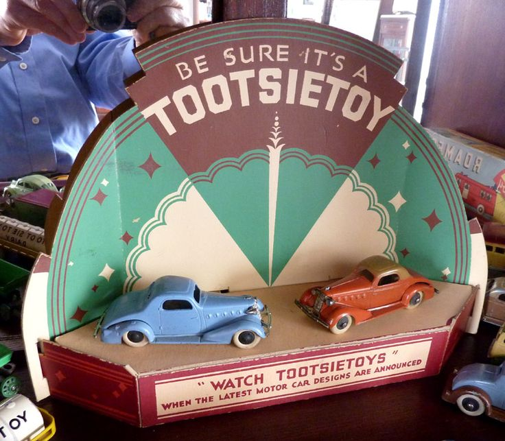 Vintage Tootsietoys Store Counter Display Matchbox cars