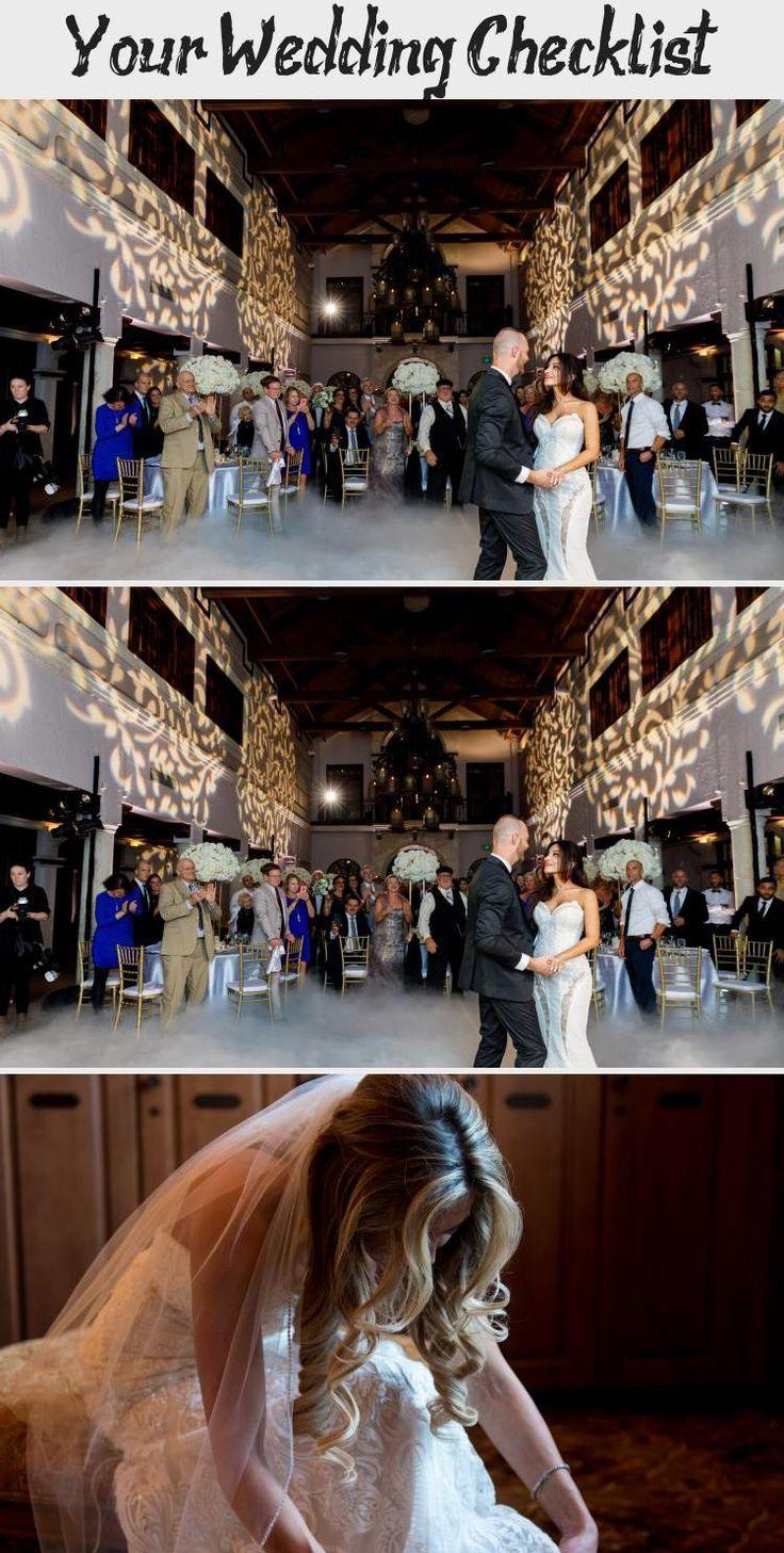 hunter green bridesmaids dresses | Emma Anne | Orlando Wedding Planner - Plan It Events | www.planitcfl.com/blog #CasualBridesmaidDresses #BurgundyBridesmaidDresses #BridesmaidDressesColors #BridesmaidDressesTurquoise #IvoryBridesmaidDresses