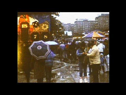 Weihnachtsmarkt und Chipfabrik [Karl-Marx-Stadt, 1988]