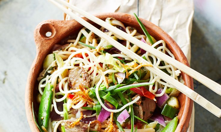 Maandag balansdag: Koreaanse noedelsalade. Bekijk het recept! http://www.libelle.nl/actueel/maandag-balansdag-koreaanse-noedels