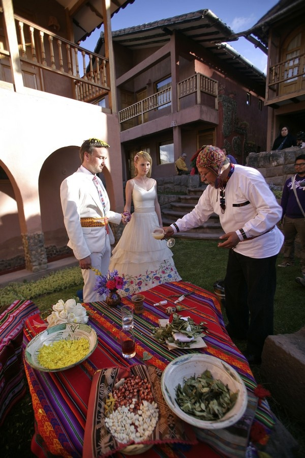 2 people 1 Life: Wedding Number 21 in Peru – Traditional Andean wedding ceremony!
