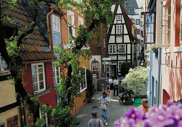 Bremen, Germany - some fairy-tale-looking architecture and color on a cozy, narrow street. http://www.search.suavehotel.com/City/Bremen.htm