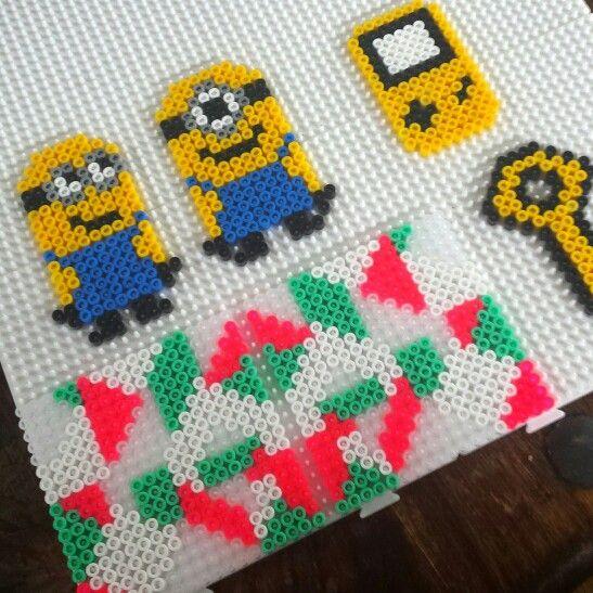 Hama Minion Key Coaster GameBoy