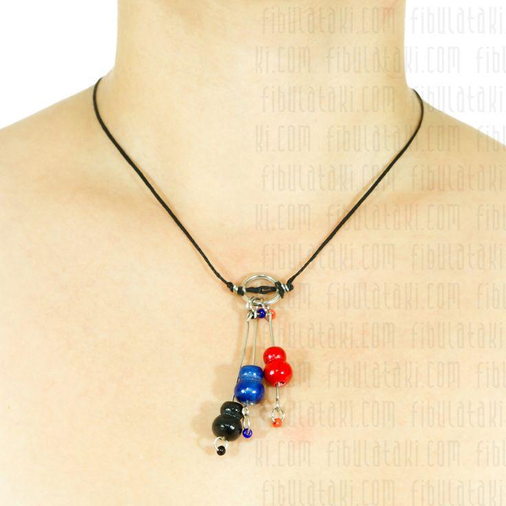 Fibula Takı / Kolye - tahta - boncuk - siyah, mavi, kırmızı