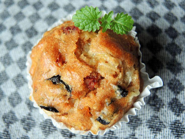 herzhafte muffins vegetarisch mit oliven und schafsk se rezept muffins. Black Bedroom Furniture Sets. Home Design Ideas