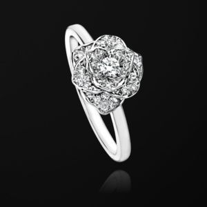 Piaget Rose ring in 18K white gold set with 36 brilliant-cut diamonds (approx. 0.22 ct).