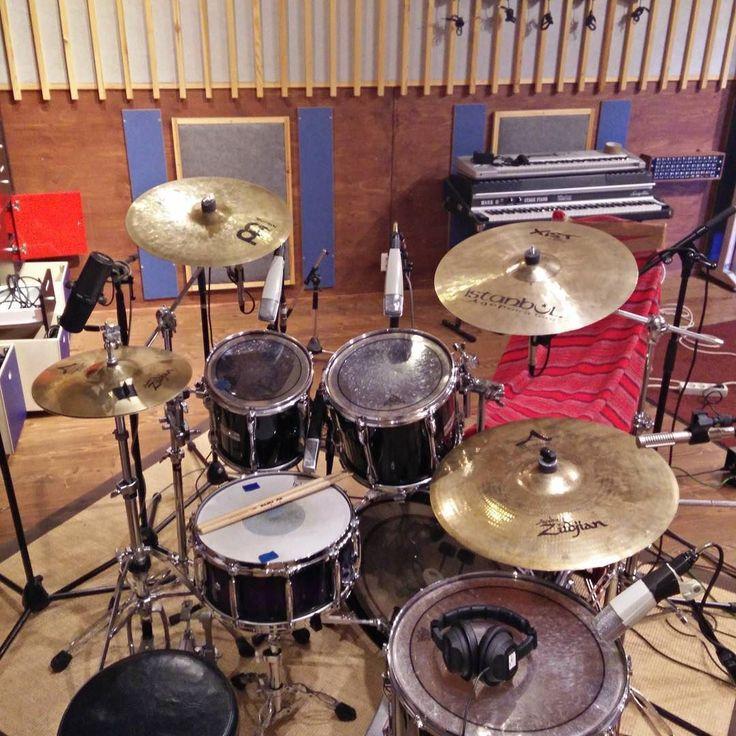 Drums done! #Boundslug #ränkätänkä #rockabilly #psychobilly #punk #metal #jummijammi #livejasmin #drummer #vicfirth @vicfirth @remopercussion #pearlmasters @anttiry #kikkelijazz #olut #sisu #sauna #viina #terva #kirves #fiskars #drumporn #drums #studio #meinlcymbals @meinlcymbals @zildjiancompany by jimimyohanen