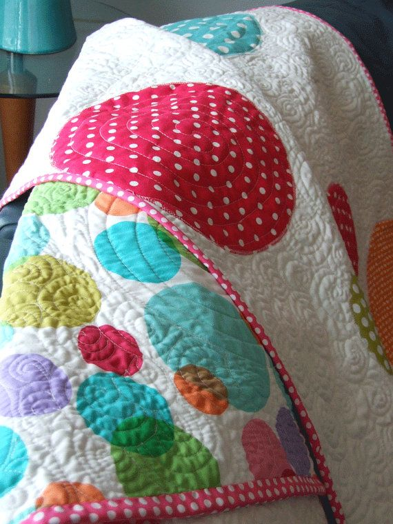 19 best Polka dot quilt images on Pinterest | Appliques, Book and ... : polka dot quilt pattern - Adamdwight.com