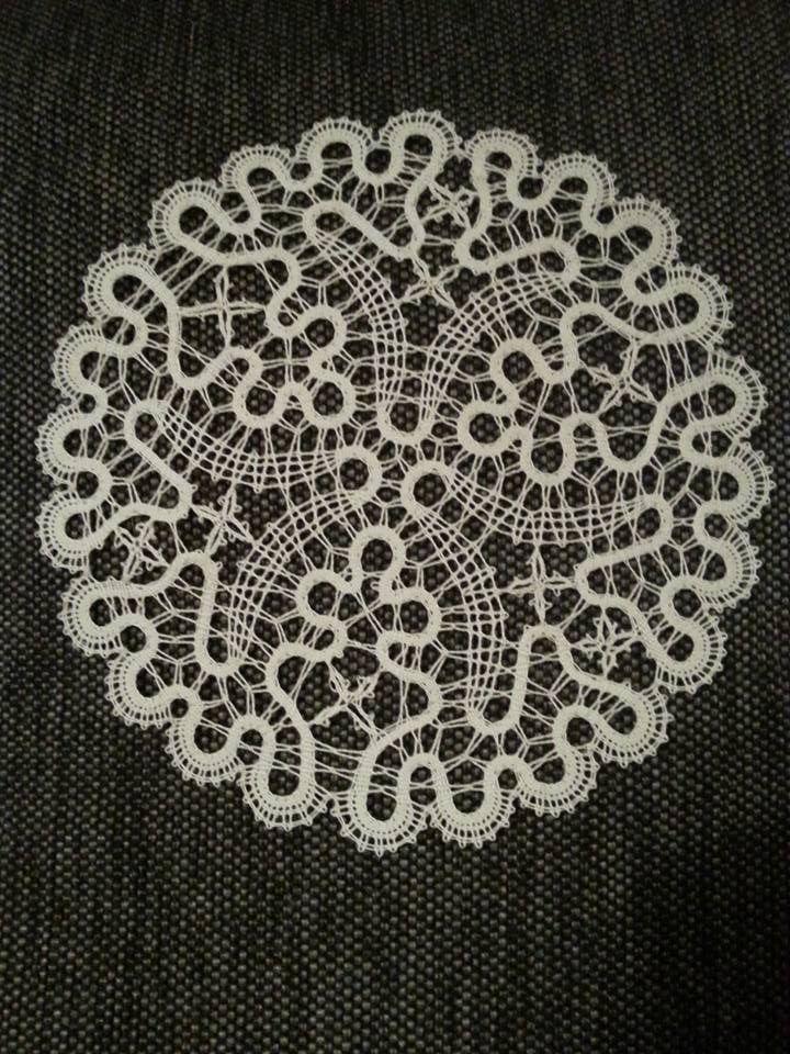 anna Mannaryyni Idrija tape lace