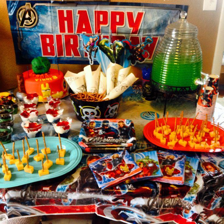 Avenger table Birthday, Birthday cake