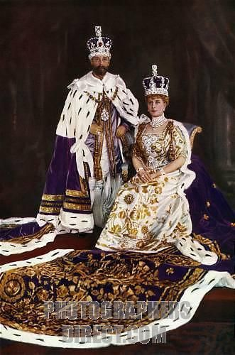 King George V & Queen Mary in Coronation regalia , 1910 frontispiece for the Illustrated London News Silver Jubilee Photo by W & D Downey Hand tinted 1910 1935 The King in Robe of Purple Velvet and Imperial Crown , the Queen in Coronation dress and crown as they showed themselves to the people from the balcony Plate I stock photo