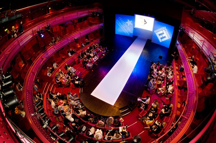 Quasy Theatre laid out in catwalk style
