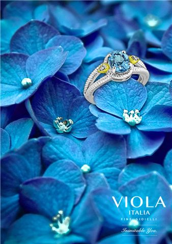 Turquoise, a shinning blue colour, embraces the world with cheerful shimmer. Topaz collection from Viola Italia does the same.